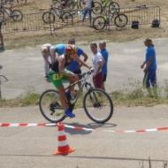Lisa Teichert geht auf die Radstrecke