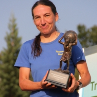 Verdienter Lohn mit dem schweren Pokal: Susanne Walter