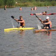 Winner Lisa Teichert and fourth placed Leos Rousavy at end of the paddle