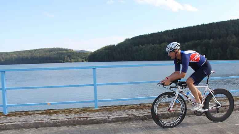 Long run-up to the Sprint Quadrathlon at the Ratscher mountain lake